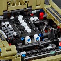 LEGO Technic 42110 Land Rover Defender-Image 2