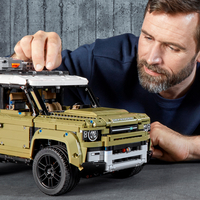 LEGO Technic 42110 Land Rover Defender-Image 6