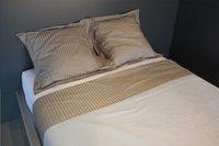 Sleepnight Drap de lit Satinada taupe satin de coton avec lignes verticales 240 x 300 cm-Image 2