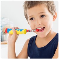 Oral-B 2 tandenborstels Family: PRO 700 + Stages Power Kids  PRO 700-Afbeelding 1