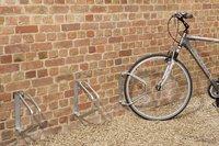 Mottez range-vélo mural pivotant pour 1 vélo-Image 3