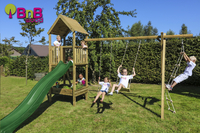 BnB Wood schommel met speeltoren en kweektafel Nieuwpoort met groene glijbaan