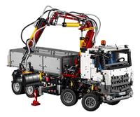 LEGO Technic 42043 Mercedes-Benz Arocs 3245-Vooraanzicht