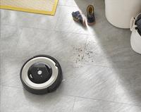 iRobot Aspirateur-robot Roomba E5 - E5152-Image 1