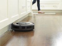 iRobot Aspirateur-robot Roomba E5 - E5152-Image 2