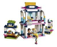 LEGO Friends 41338 Stephanie's sportstadion-Vooraanzicht