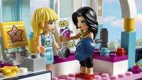 LEGO Friends 41338 Stephanie's sportstadion-Afbeelding 1