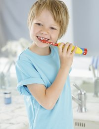 Oral-B kindertandenborstel Kids' Power Mickey-Afbeelding 2