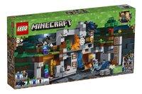 LEGO Minecraft 21147 De Bedrock avonturen-Linkerzijde