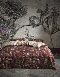 Essenza Dekbedovertrek Alette burgundy katoensatijn-commercieel beeld