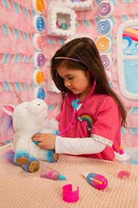 Peluche interactive Little Live Pets Rainglow Unicorn Vet Set-Image 8