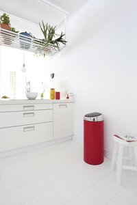 Brabantia poubelle Touch Bin 30 l Passion Red-Image 1