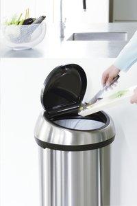 Brabantia poubelle Touch Bin 60 l acier mat FPP-Image 1