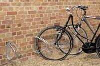 Mottez range-vélo mural pivotant pour 1 vélo-Image 1