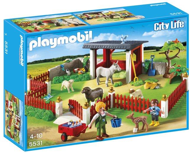 Afbeelding van Playmobil City Life 5531 Verzorgingspost met stallen from ColliShop