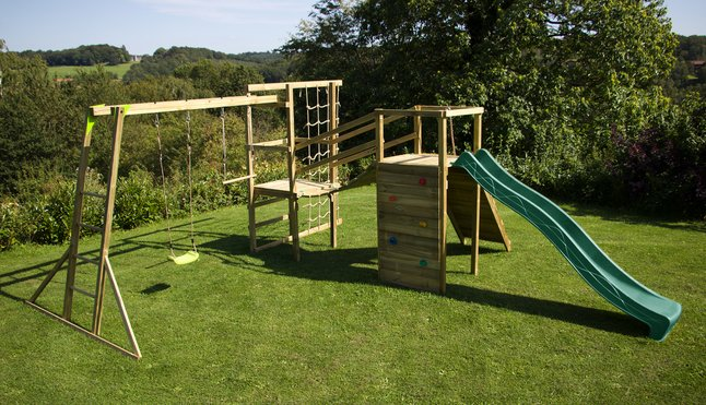 BnB Wood portique Madagascar Adventure Commando Monkey Bar avec toboggan vert