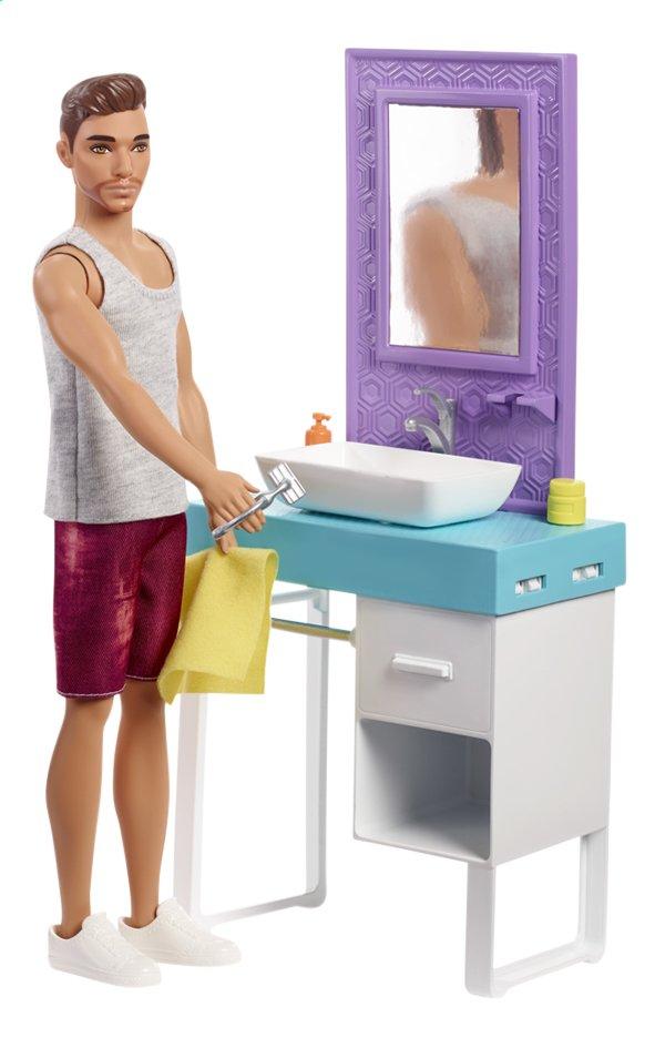Barbie Ken et le lavabo
