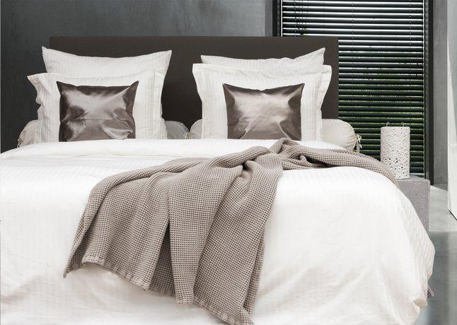 Image pour HnL Living Couvre-lit taupe coton à partir de ColliShop