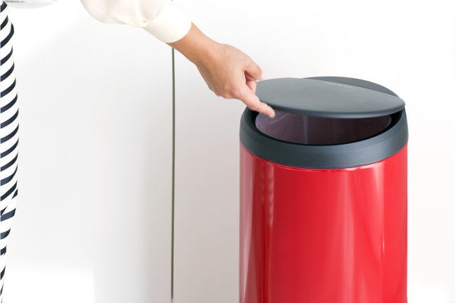 Afbeelding van Brabantia Afvalemmer FlipBin passion red 30 l from ColliShop